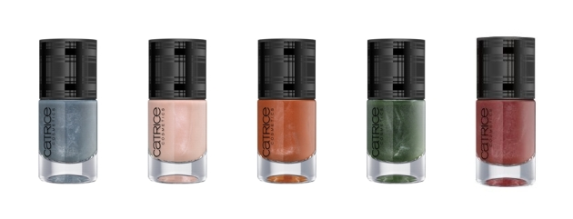 Check & Tweed Ultimate Nail Lacquer C01